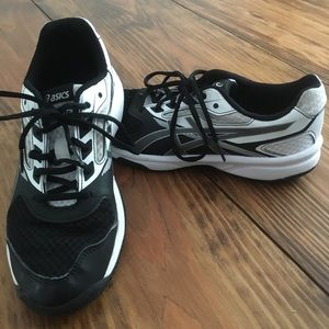 ASICS Gel Upcourt Black/White Volleyball Shoes